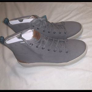 NWT•TOMS• Gray High Tops • Men's 11